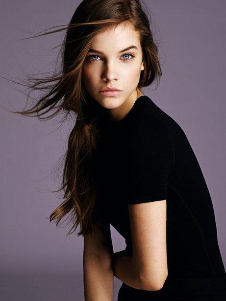 Фото красивых девушек моделей на аву в