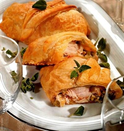 рецепты салатов с копченой курицей и колбасой