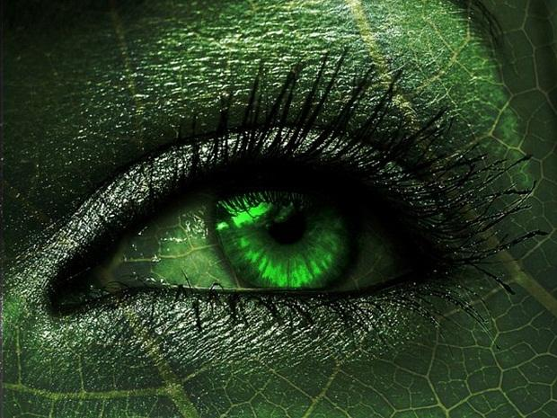 Как на моем фото сделать зеленые глаза