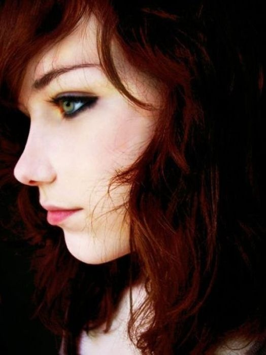 tatuajes chicas cabello rojo