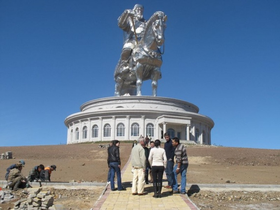 Statue of Genghis Khan (43 photos)  Page 3