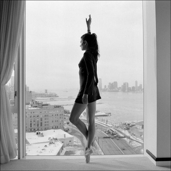 Эротика у балерин в раздевалке 25 фотография