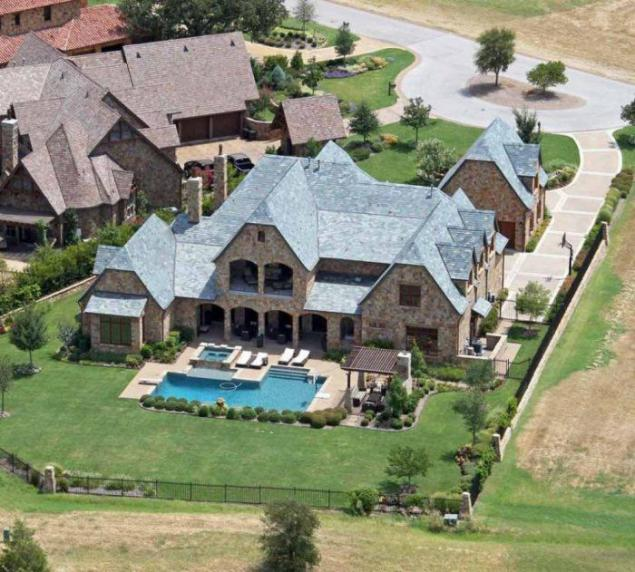Demi Moore has long lived in Hailey, Idaho, near the famous Sun Valley ...