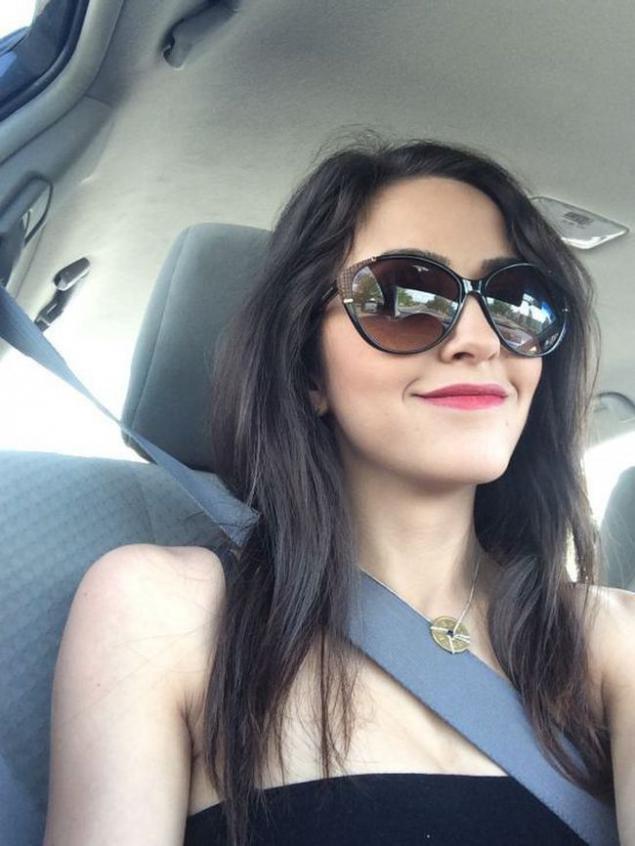 Секс в машине девственница без регистраций 14 фотография