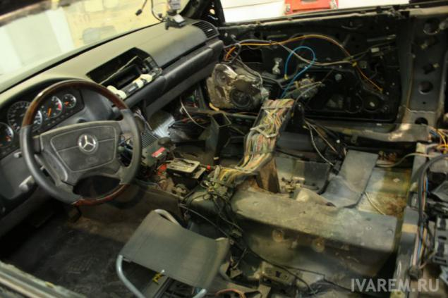 Mercedes benz w140 coupe full restoration of the exterior for Mercedes benz body repair