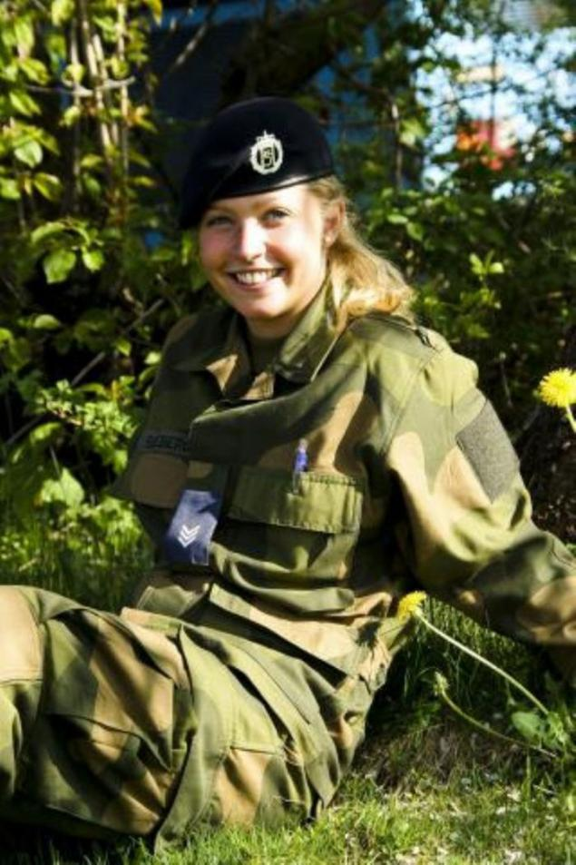 Norge Military Girls Page 1-2896