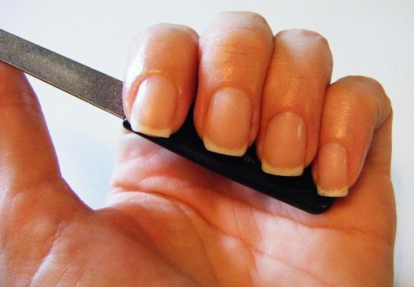 Как из квадратных ногтей сделать овальные