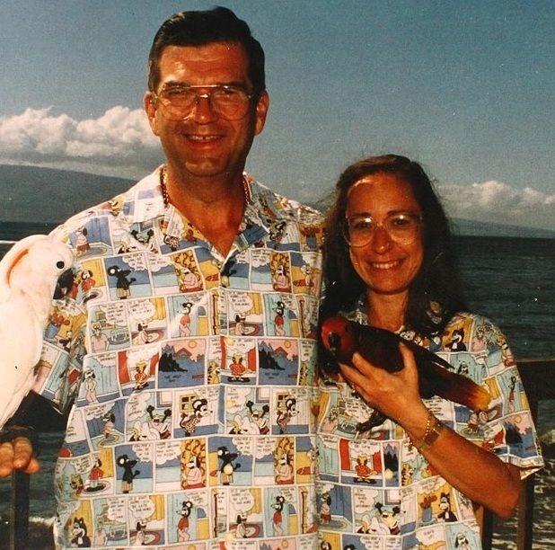 Супружеская пара пригласила знакомую 23 фотография