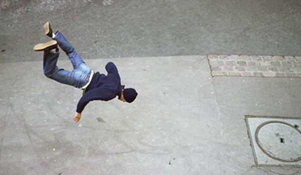 Падающий человек фотография  википедия