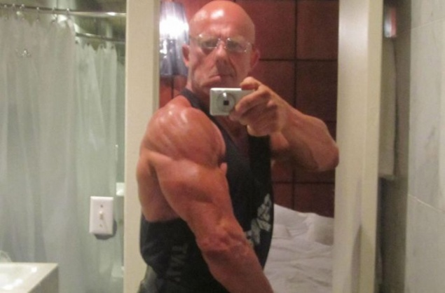 60 Year Old Bodybuilder 25 Pics Page 1