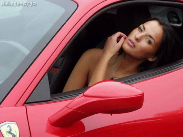фото баб рядом с авто