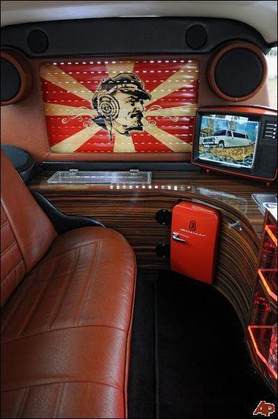 luxury limousine quotzhigulimoquot page 1