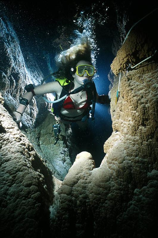 Diving In Caves (15 Photos). Page 1