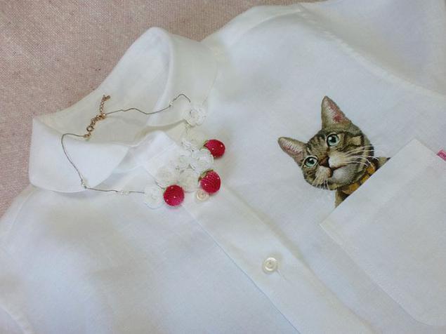 Вышивка на одежде коты