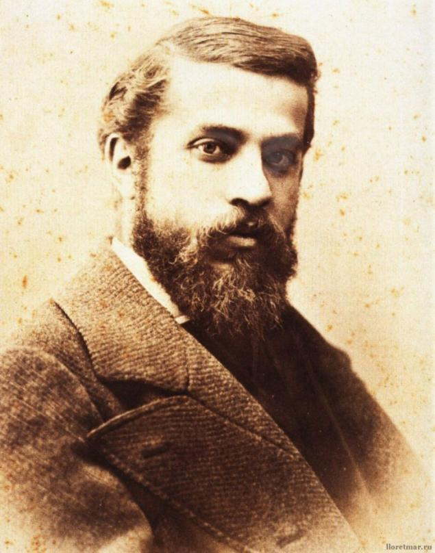 an essay on life of gaudi Born june 25, 1852, architect antoni gaudí became a leader of the spanish modernist movement you may know him for the unfinished sagrada familia.