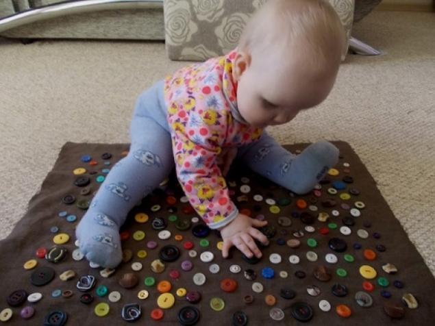 Сшить развивающую игрушку для детей до года