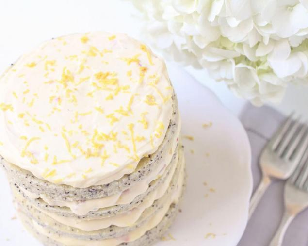 Маковый торт с творожным кремом