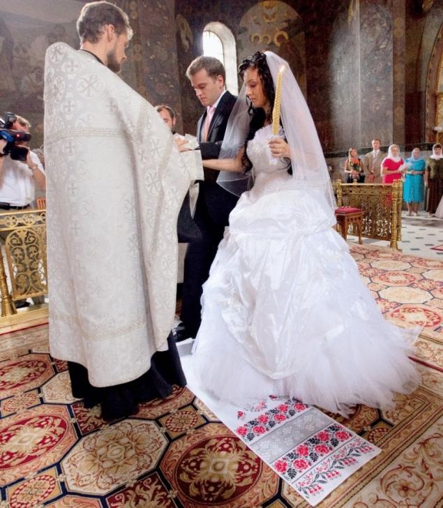 Куда девать рушник после свадьбы