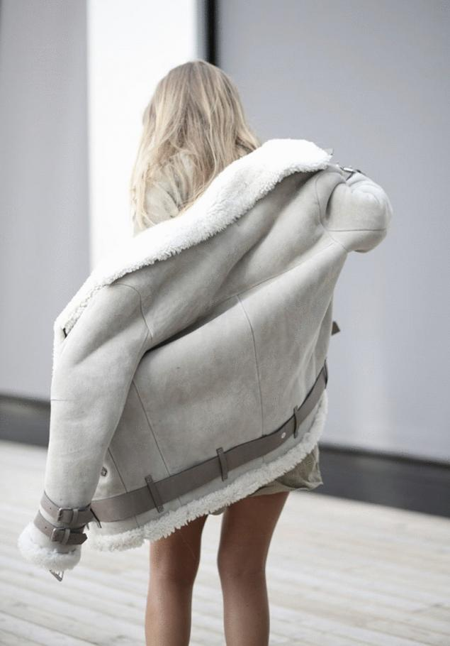 How to clean sheepskin coat. Page 1