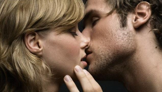Играть в поцелуйчики после секса