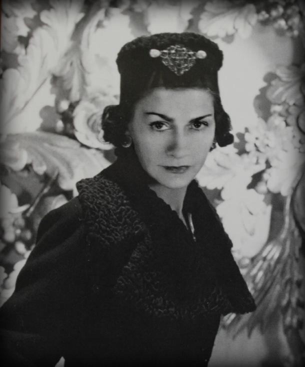 economic factors coco chanel Coco chanel is rarely content with herself and her life, and she has an inner urge to be continually going farther or deeper than her ever have before coco has also a strong interest in social power and the role that money and economics play in people's lives.