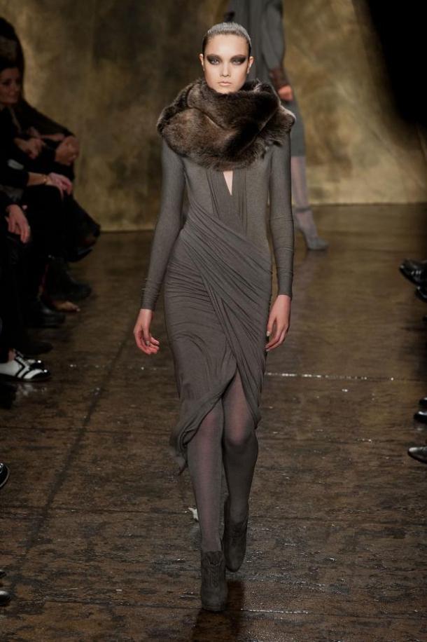 Кожаный костюм женский