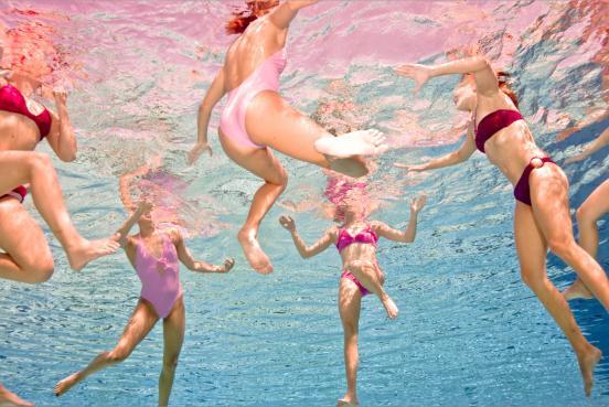фото девушек под водой в купальниках