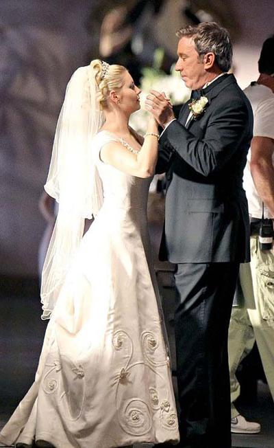 Elisha Cuthbert Engagement Ring | www.imgkid.com - The ...