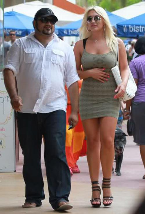 who is linda hogan dating It takes only a minute to sign up for free become a member and start chatting, meeting people right now online dating helps you quickly and simply find your dream partner.