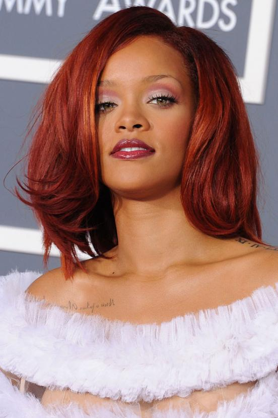 Popular Rihanna Short Blonde Hairstyles With Pictures