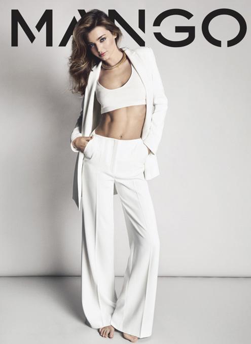Miranda Kerr Debuts Wedding Ring Moschino Show  PEOPLEcom