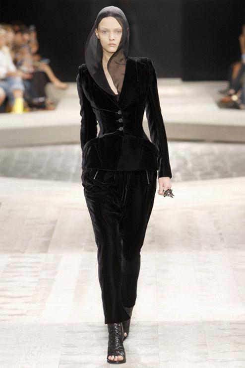 Haute Couture week in Paris fashion house Givenchy 2009 ...