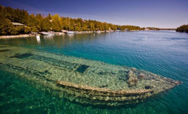 Places To Visit In Toronto >> El buque, que yace en el fondo del lago Ontario. Página 1