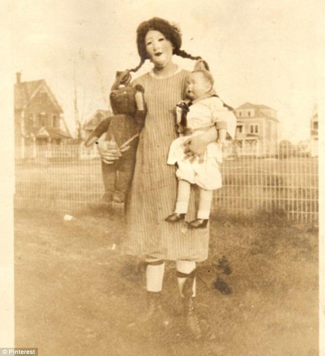 Фотографии девушек в форме медсестры в черном платье с белым 6 фотография