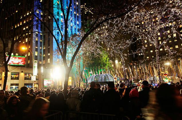 Solemne ceremonia de iluminaci n del rbol de navidad ee for Iluminacion para arboles