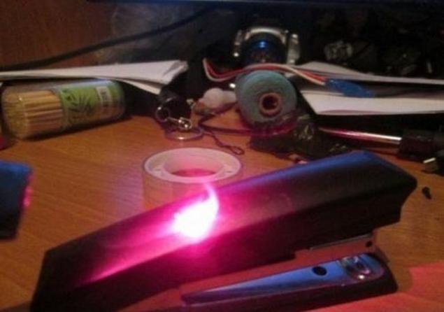 Как сделать лазер на фото 707