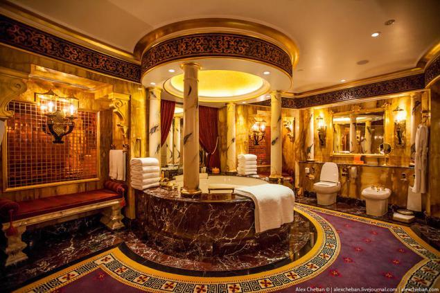 Habitaci n de dos pisos en el legendario hotel burj al for 7 star hotel dubai most expensive room