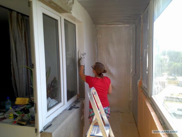 Как экономно сделать ремонт на балконе своими руками 49