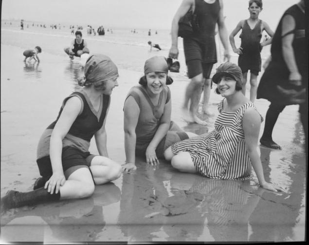 9758f61b5 Trajes de baño 1920. Página 1